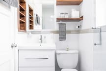 Bathroom, Floating Vanity