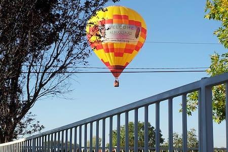 North Valley Hideaway near Balloon Fiesta Park