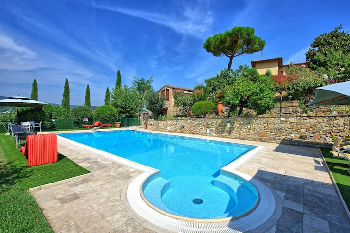 Ovile - Holiday Apartment in San Gimignano, Chianti, Tuscany