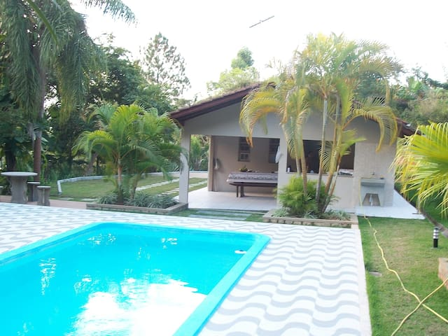 Confortável Casa de Campo Com Piscina!! - Santo Amaro da Imperatriz - Zomerhuis/Cottage
