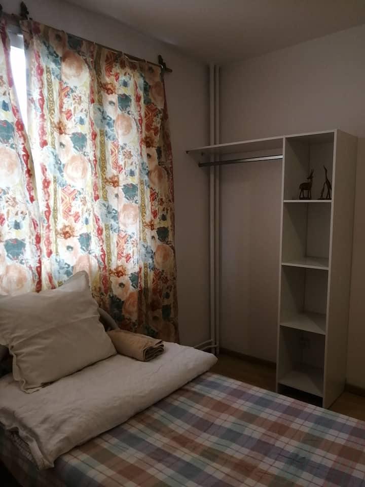 Private big bedroomroom Beside PARC  & Tram1&4