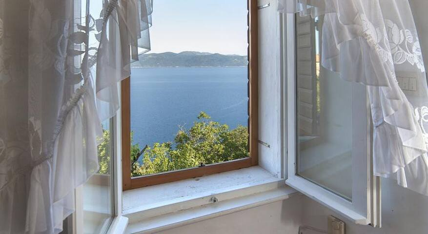 Triple bed room with sea view - Brseč - House