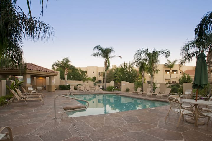 Arroyo Madera 105 2 BR Townhouse/ COM Pool/ Jacuzzi/ Scottsdale