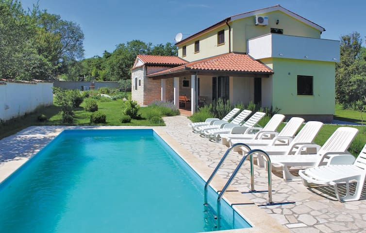 Pool house near Sea in Pavicini, Duga Uvala Istria - Krnica - Byt