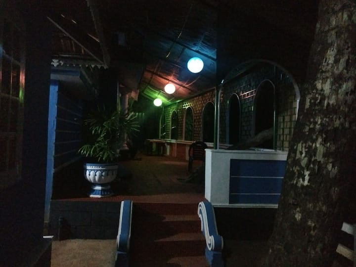 Deluxe room at Aquarius cottage