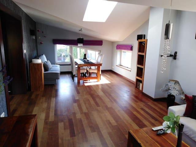 Bardzo komfortowe i wygodne 4 pokojowe mieszkanie