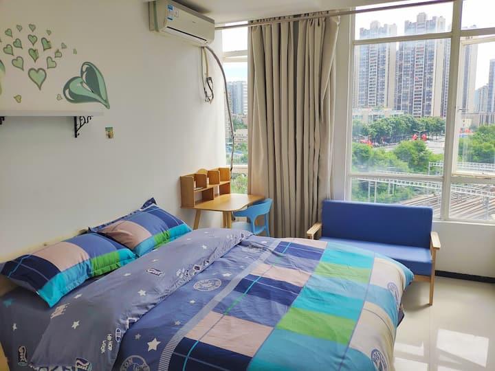 白石龙|深圳北站|红山|民乐|清新|舒适|落地窗|情侣温馨|单人商务房