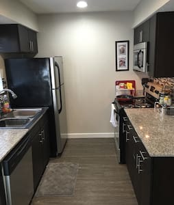 Relaxing 1BD by Downtown!