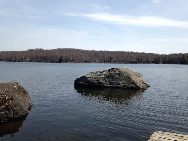 Rustic Lakefront Cabin in Resort Community - Lake Township - Casa