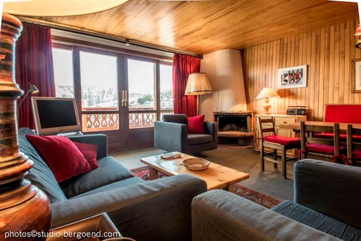 Courchevel 1850, Nice apartment, Ski-in/out