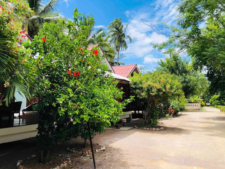 Tuangthong Homestay Bankrut Bungalow with kitchen