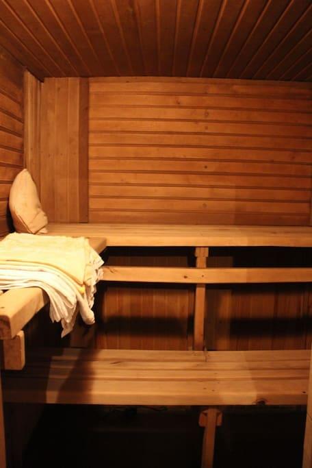 В холодные деньки или дождливые вечера можете погреться с нашей бане.