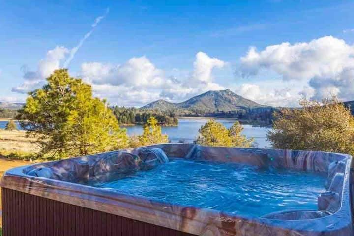 Serene Spa Retreat on Lake Cuyamaca
