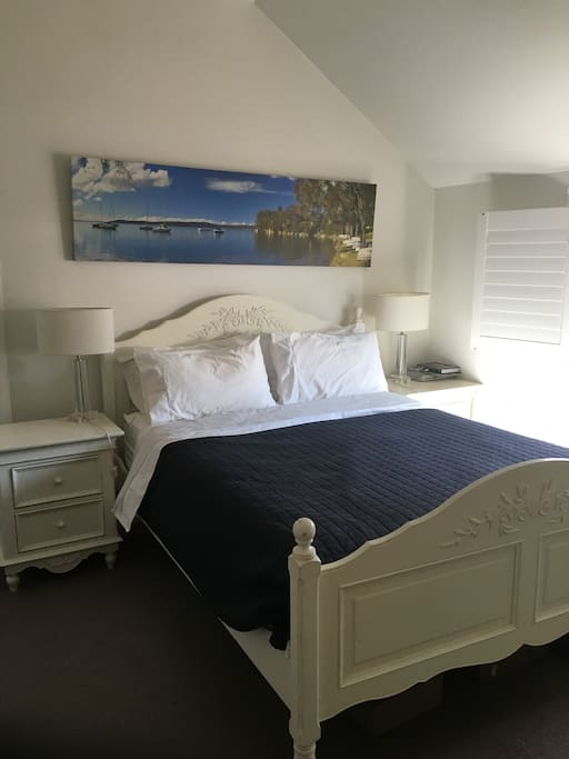 Main bedroom has TV with foxtel, ensuite.
