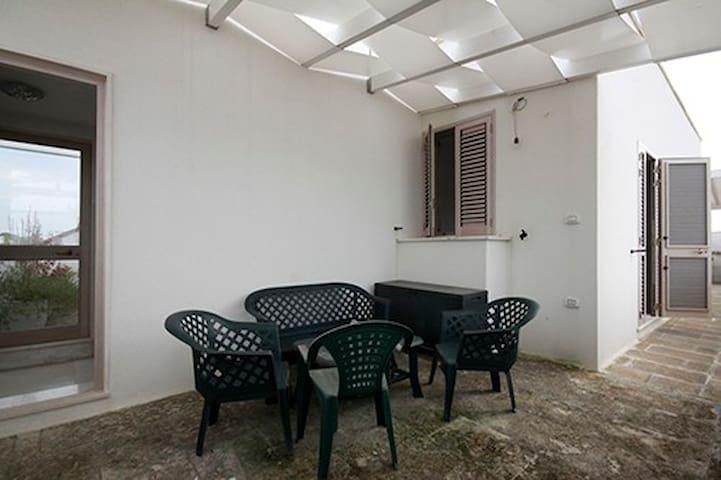 Nuovo ed accogliente  Monolocale, centro San Foca - San Foca - Lejlighed