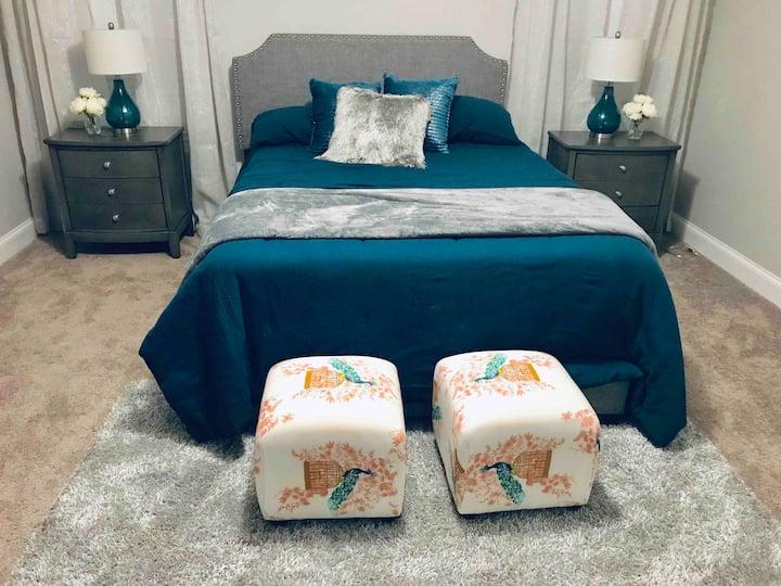 Cozy Bedroom in a Quiet Space (Optional 2nd Room)