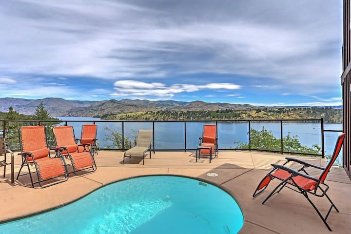 2 Chelan houses for the price of one, private waterfront, small private pool