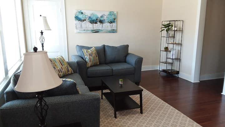 Courthouse Square Unique Duplex in Heart of Town