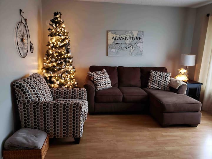 Quiet & Private Apt in Central Summerside King Bed