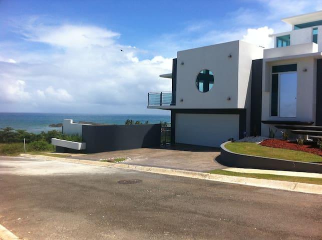 Castillo del Mar Architectural Paradise - Camuy - House