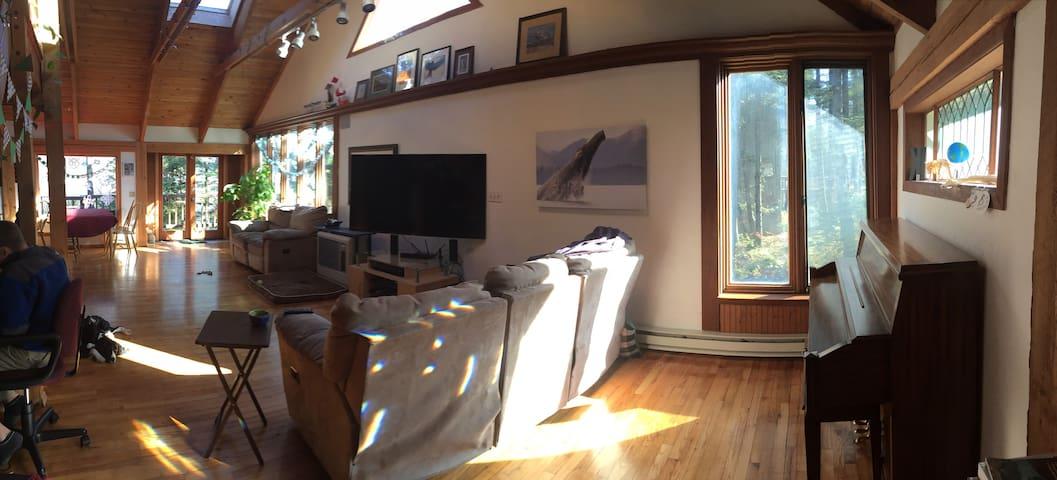 Spacious Home-Great Views!