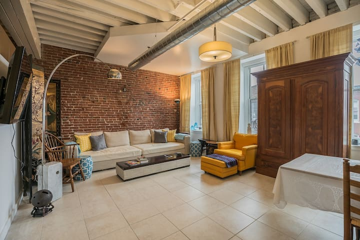 Two bedroom Old City home in historic charmer
