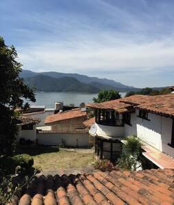 Enchanting picturesque house - Valle de Bravo - House