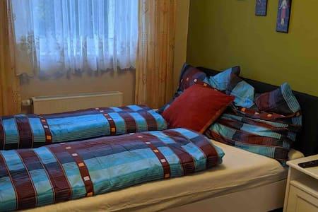 Asiatisches Landhaus  Zimmer mit 1,40 m Bett
