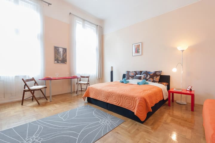 Westend Budapest Apartment In the Downtown