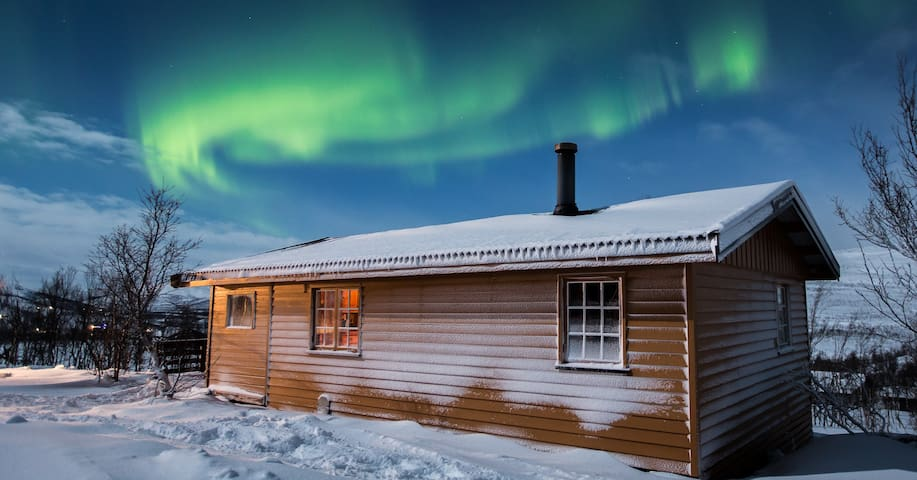 Cozy cabin, perfect for watching aurora borealis - Kvalsund - Cabana