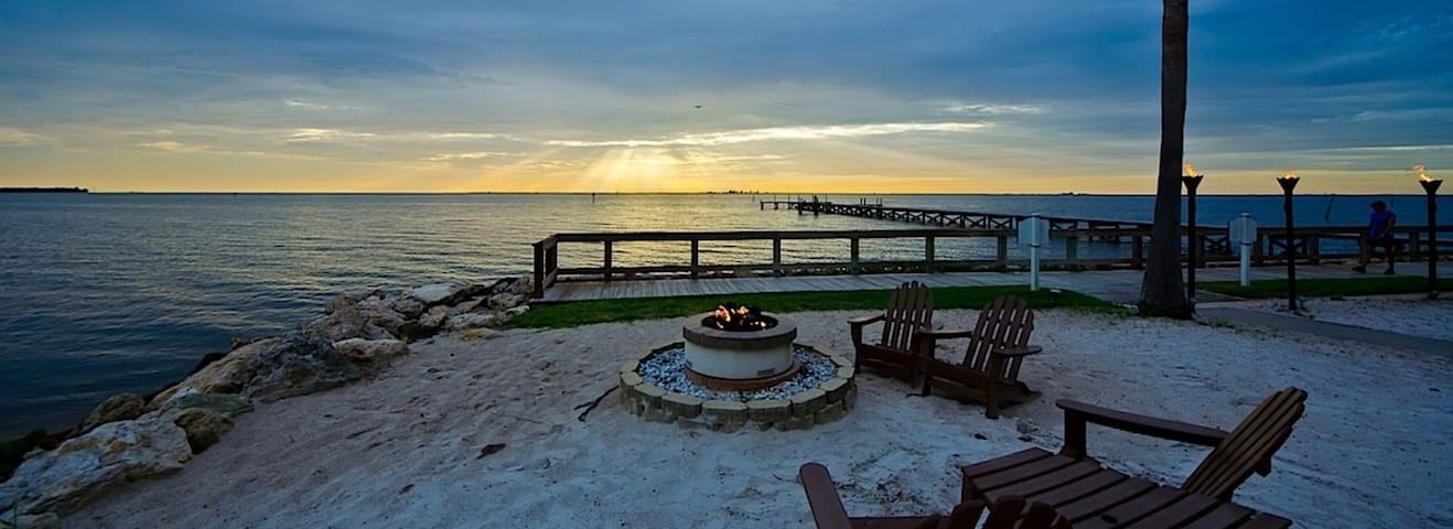 Luxury Waterfront-Gulf Access Home!! - Ruskin