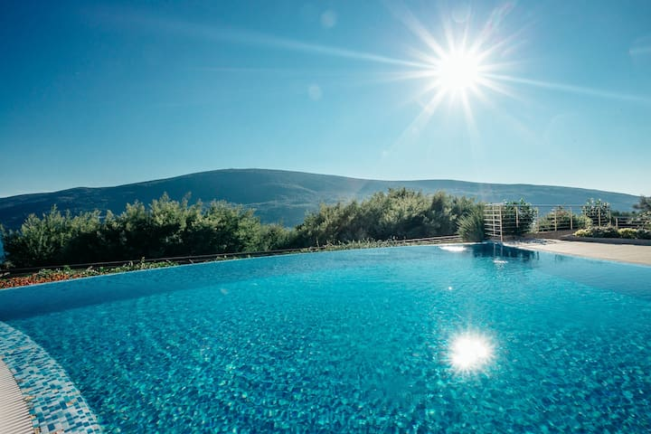 Tranquil apartments with amazing views and pool