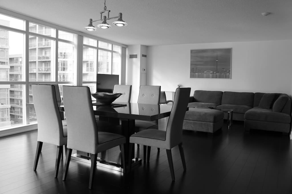 Luxury 3 bedroom downtown lake city view condominiums for Best private dining rooms downtown toronto
