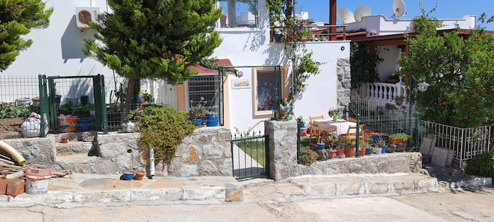 Bodrum Akyarlar 'da 1+1 bahçeli daire