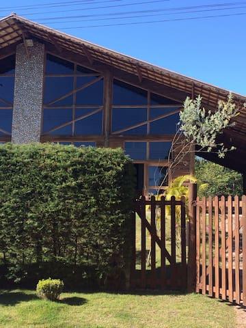 Casa Charmosa na Cidade de Cunha - Cunha - House