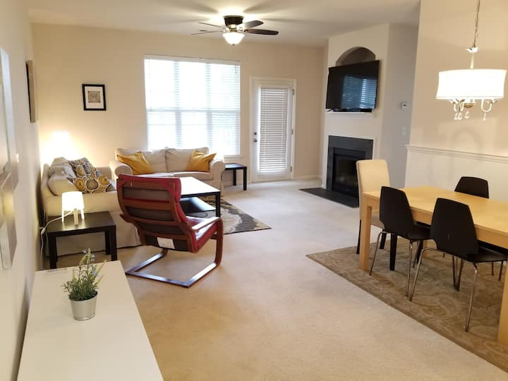 Spacious Cornelius Condo, close to the Lake Norman