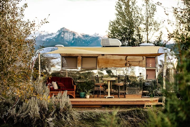 Hot Tub with the Stars Airstream