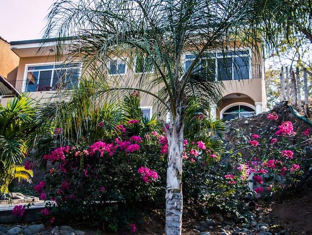 Hilltop Hermosa - Playa Hermosa - House