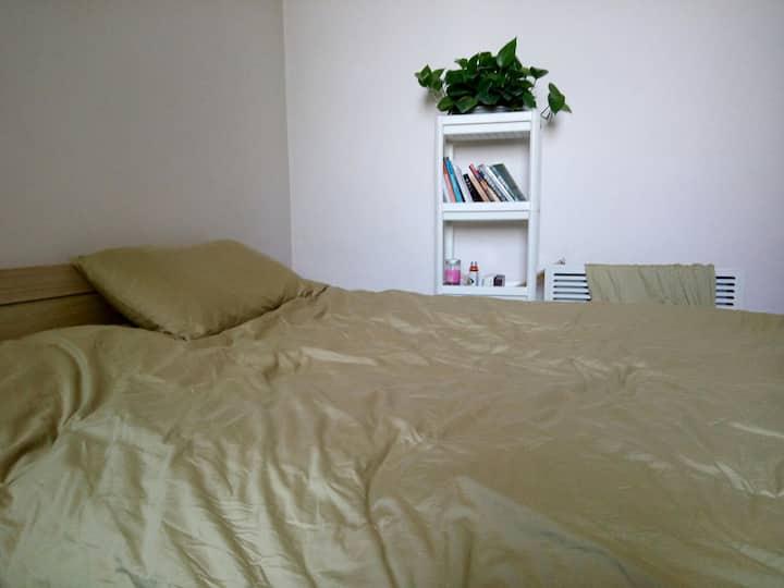 温馨二居室,临近北京cdb。