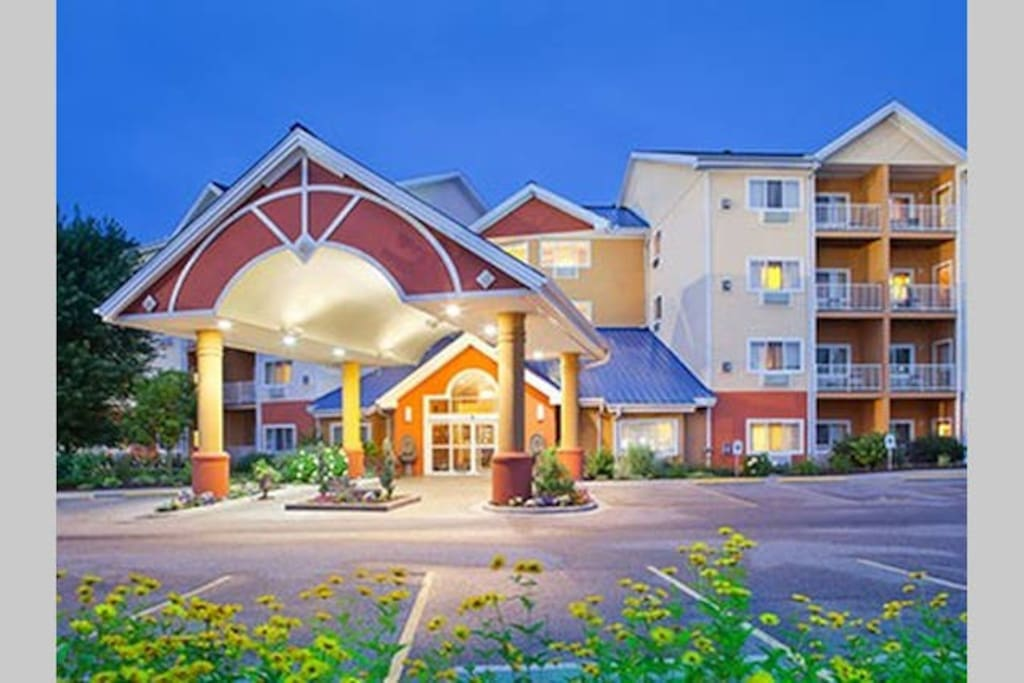 Waterparks Bluegreen Odyssey Dells 2br Ii Condominiums For Rent In Wisconsin Dells