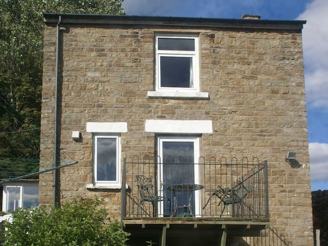 Curlew Cottage (UKC2157)