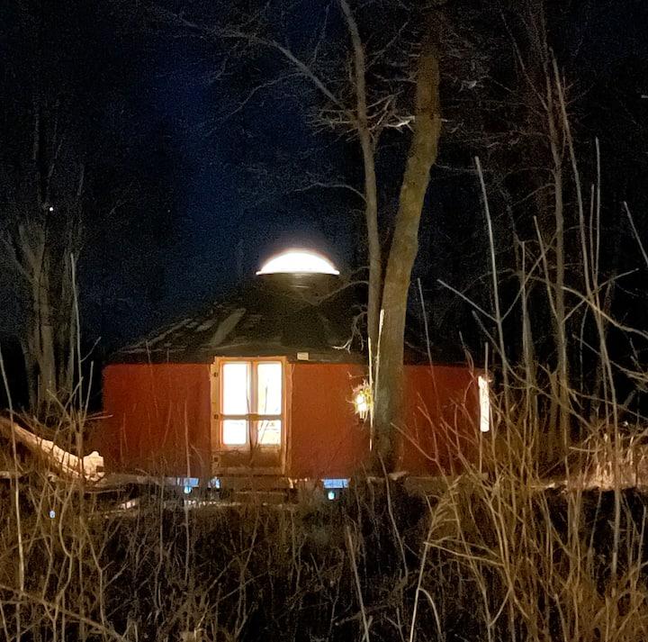 MI Yurt Glamping with Breakfast!