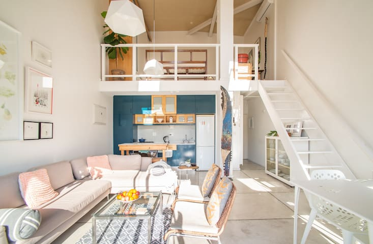 Unique & Modern top floor loft in best location