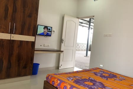 Compact AC bed room in Mogappair near Anna Nagar