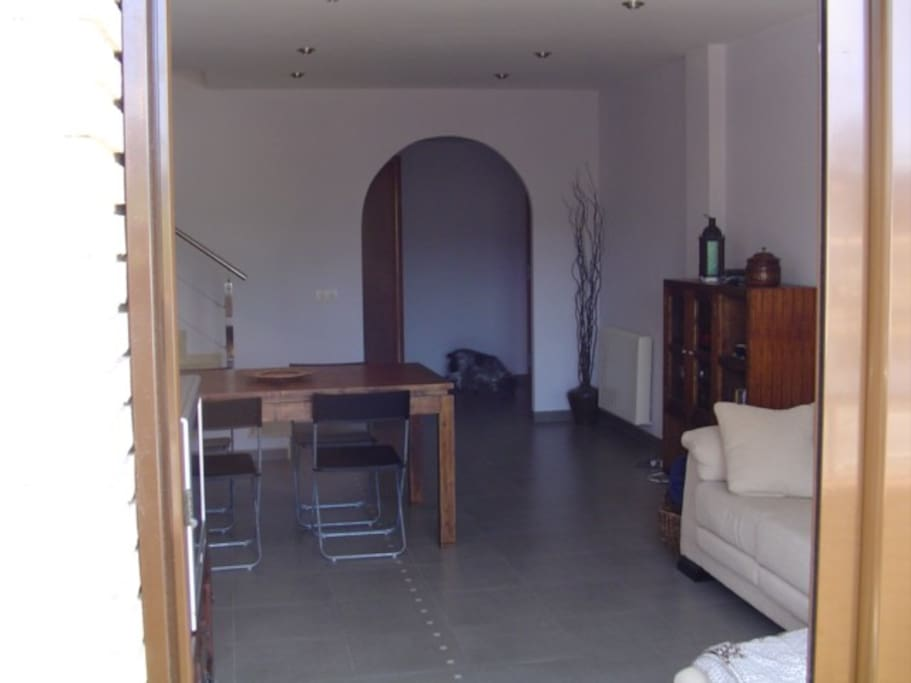 Detached single family house near the costa brava for Affittare casa a barcellona