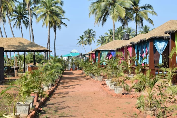 Colourful & Cultural beach Cottage @Agonda beach