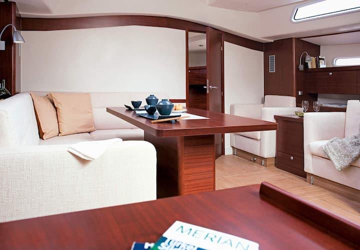Luxury Sailboat Cruise in Barcelona
