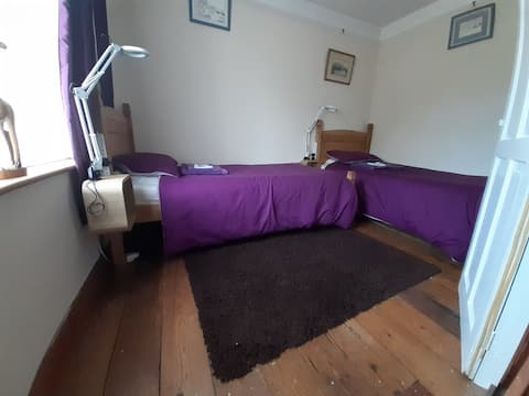 Twin room in popular Broadland village