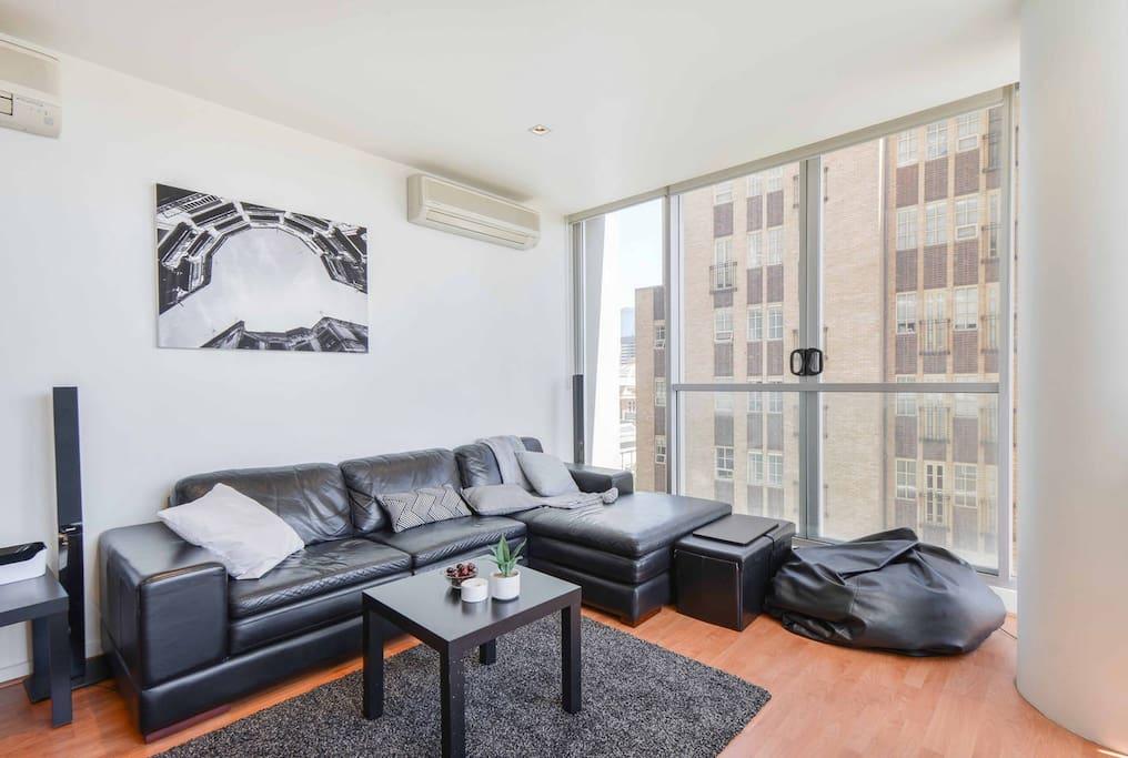 Luxurious lounge