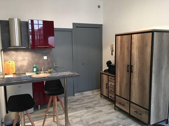 Une armoire pour ranger vos affaires.